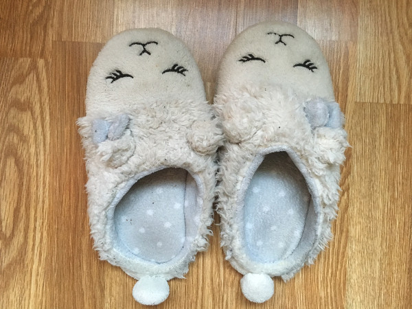 home slippers white with high arch trekk